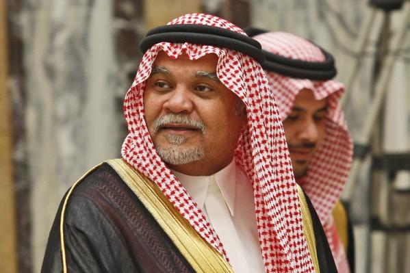 El principe saudita Bandar bin Sultan al-Saud, apoya a los rebeldes sirios vinculados a Al Qaeda.