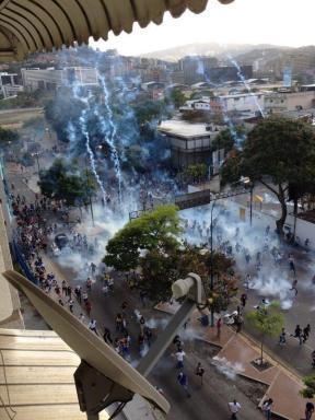 Lluvia de bombas en Caracas