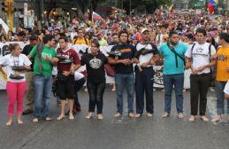 Marcha-pies-descalzos-sufrimiento-Venezuela_NACVID20140416_0007_19