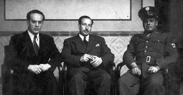 La Junta Revolucionaria del 44 en Guatemala:Francisco Javier Arana, Jacobo Árbenz Guzmán y Jorge Toriello Garrido.